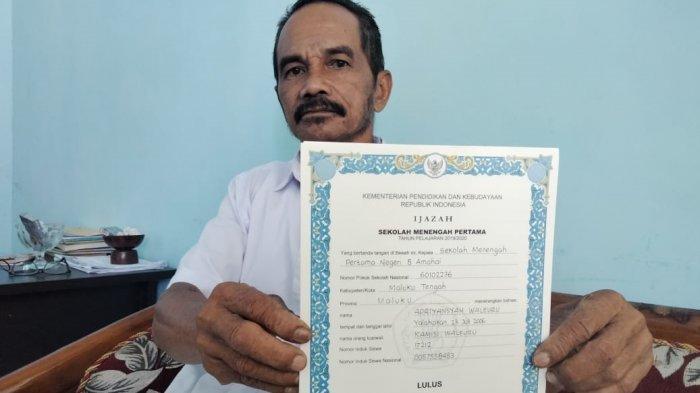 Puluhan Siswa di Maluku Tengah Lanjut Jenjang Sekolah Pakai Ijazah Foto Copy