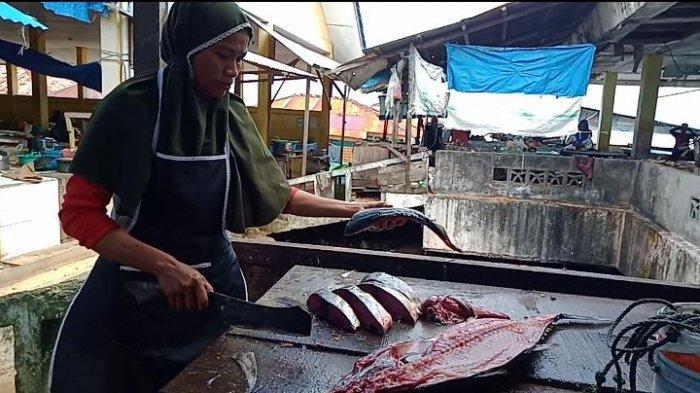 Cuaca Buruk, Harga Ikan Cakalang di Namlea-Pulau Buru Naik Rp 150 Ribu Per Ekor