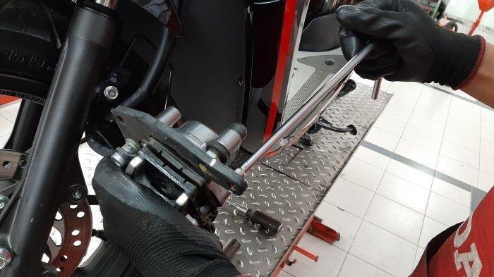 Cara Mendeteksi Kampas Rem Sepeda Motor Harus Diganti