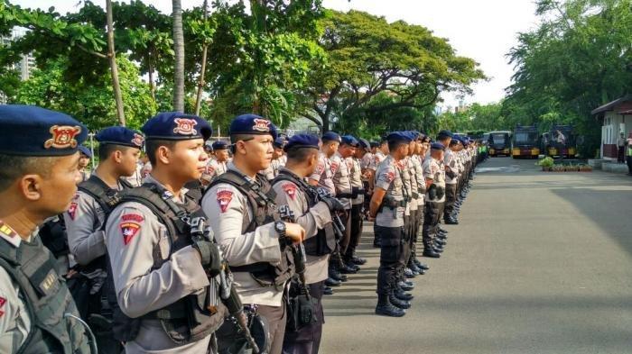 Catatan untuk Polisi Perut Buncit dan Baju Keluar, Anggota Komisi III DPR: Suruh Kurusin