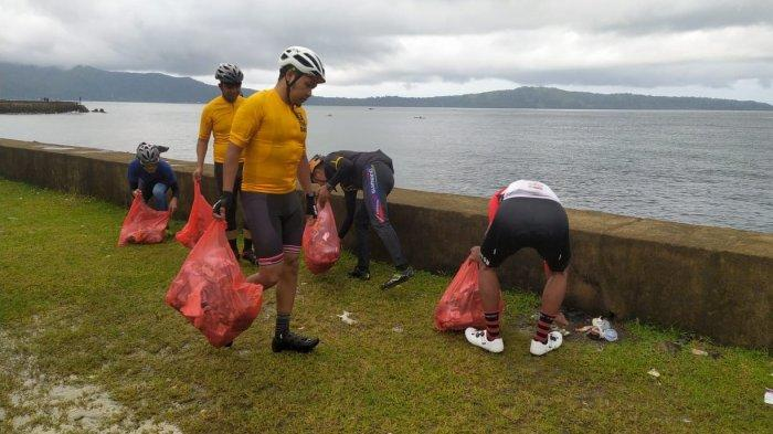 Peringati Hari lingkungan Hidup, ISSI Ambon Kumpulkan 20 Kantong Plastik Sampah dari Pantai Laha