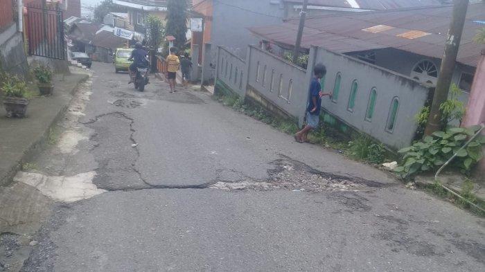Keluhkan Jalan Rusak di Galunggung Tak Diperbaiki, Warga: Pak Syarif HadlerSelalu Lewat Disini