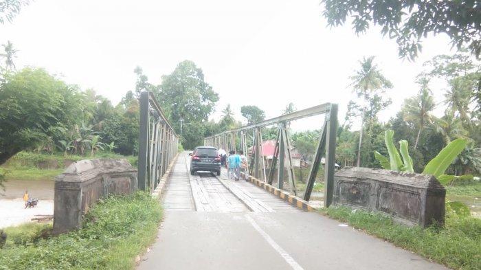 Keluhkan Jembatan di Mamala Tak Kunjung Diperbaiki, Warga: Janji Pak Murad Ismail Cuma Wacana