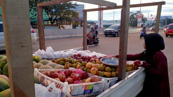 Sepekan Jelang Ramadhan, Harga Buah di Ambon Semakin Murah