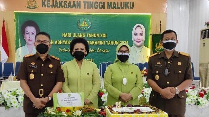 Siapa Rorogo Zega; Kajati Maluku yang Dipromosi Jadi Intelijen Ekonomi dan Keuangan Kejagung - kajati_dan_wakajati_maluku_2021.jpg