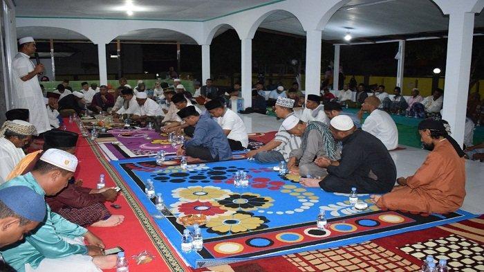 Jelang Pilkada, Polres Seram Bagian Timur Bersama Warga Doa Terhindar Corona