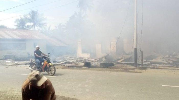 Kompor Terjatuh Akibat Gempa Ambon 6.8 SR Sebabkan Kebakaran, 8 Bangunan Hangus
