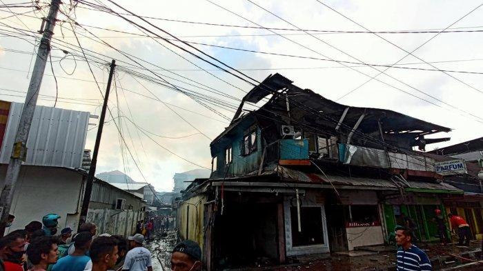 Korban Kebakaran Silale Mengungsi di Pinggir Jalan, Tunggu Polisi Lakukan Penyelidikan