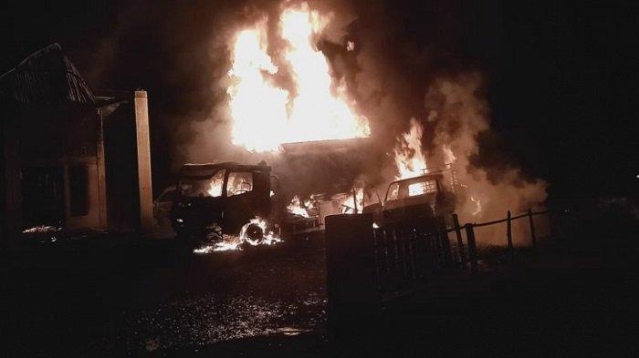 Truk Tangki Bermuatan Pertalite Terbakar, 1 Rumah dan 2 Mobil Ludes, Kerugian Ditaksir Rp 1,1 Miliar
