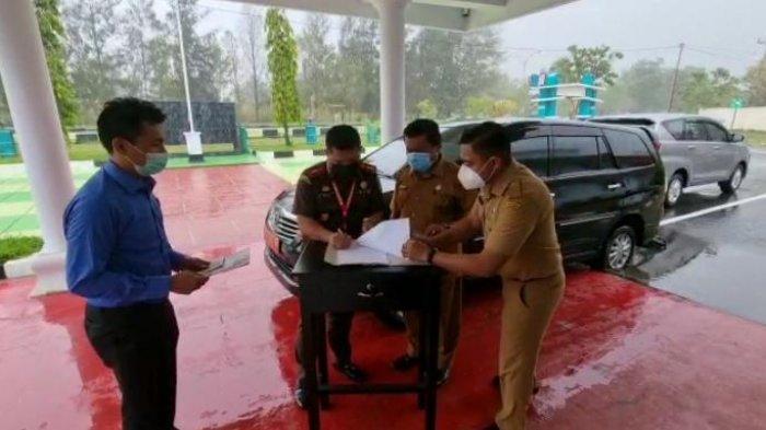 Jaksa Kembali Selamatkan Mobil Milik Negara; Bekas Pakai Mantan Kadinsos Buru dan Sudah Rusak
