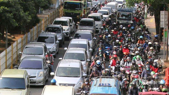 Syarat Perjalanan di Masa PPKM Level 4 dengan Mobil Pribadi