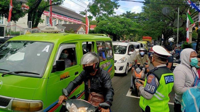 Demonstrasi di Kejati Maluku, Jl. Sultan Khairun Macet