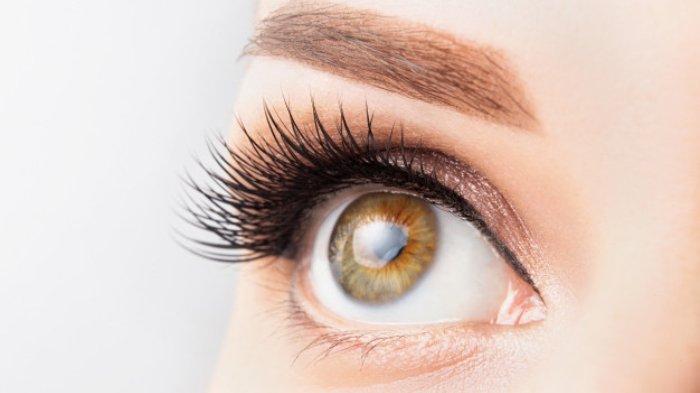 Simak 6 Tips Merawat Mata Tetap Cantik Meski Tak Pakai Produk Perawatan