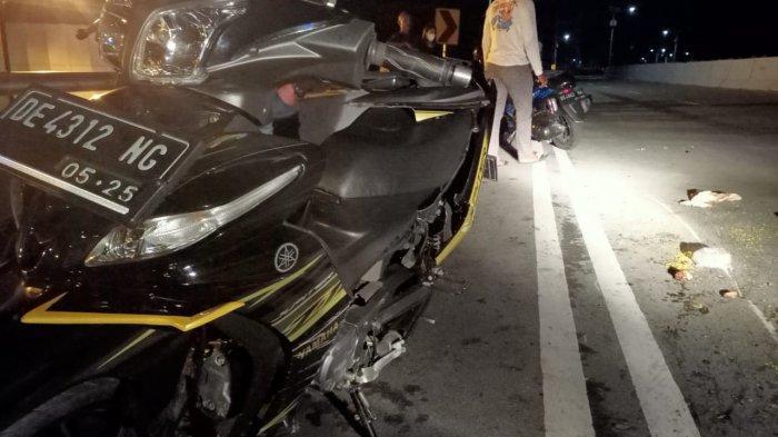 Kecelakaan tunggal terjadi di Jembatan Merah Putih (JMP), Kecamatan Sirimau, Kota Ambon, Kamis (22/4/2021), sekitar pukul 01.55 WIT dini hari.