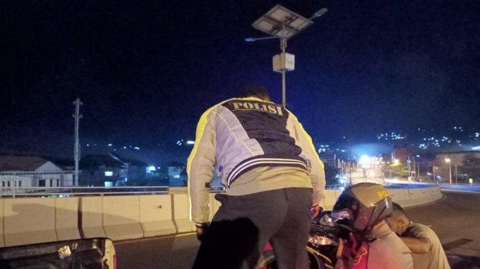 Diduga Mengantuk, Pengendara Motor Kecelakaan Tunggal di Jembatan Merah Putih Ambon
