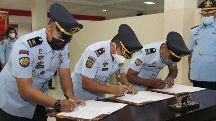 Pelantikan pejabat jajaran Kanwil Kemenkumham Maluku, Selasa (12/10/2021).