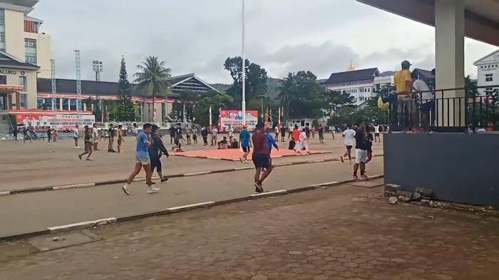 Masuk Zona Kuning, Lapangan Merdeka - Ambon Ramai Pengunjung