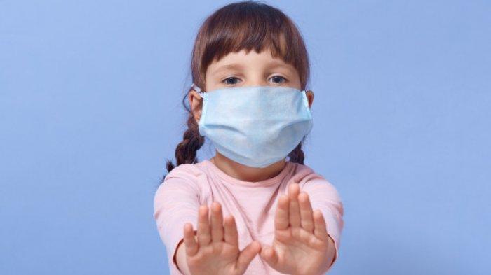 Sejak virus corona dengan cepat menyebar di Indonesia, kita selalu diwajibkan untuk memakai masker terutama saat pergi.