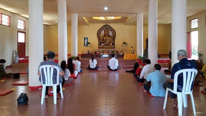 Ibadah Waisak di Vihara Swarna Giri Tirta Ambon Dibatasi 30 Persen, Hanya Dihadiri 22 Orang