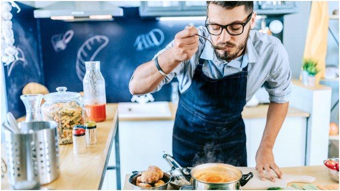 Bolehkah Mencicipi Masakan Saat Sedang Berpuasa?