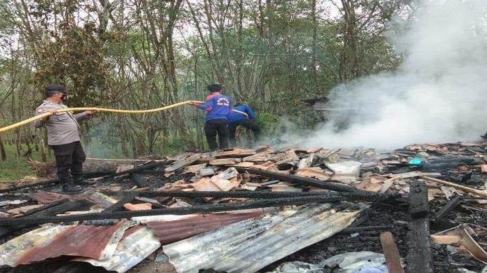Musibah kebakaran di rumah Sargiyo warga Kecamatan Lubuk Batang OKU