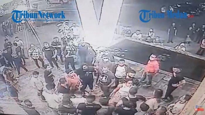 Terekam CCTV Anggota DPRD Fraksi PDIP dan Oknum Polisi Baku Hantam di Klub Malam
