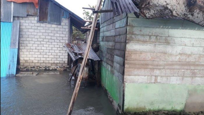 15 Rumah dan 3 Perahu Rusak Dihantam Ombak di Kabupaten Maluku Tengah