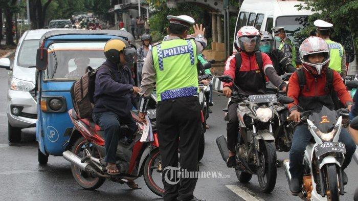 Kisah Kristian, Petugas Polisi Lantas saat Traffic Ligt Padam Imbas Listrik Mati PLN