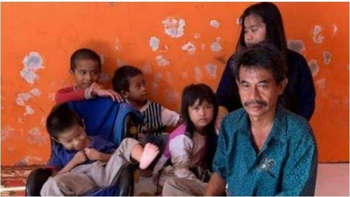 VIRAL Ayah Jual HP Rusak Rp 10 Ribu demi Beli Beras untuk Makan 5 Anaknya, Kini Dapat Banyak Bantuan