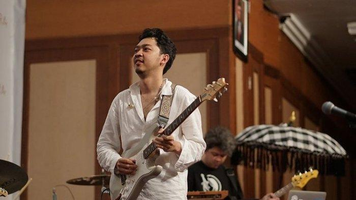 Chord Gitar Walk The Talk - Pamungkas, Kunci dari G: Oh I'd Love to Falling in Love Again and Be Two