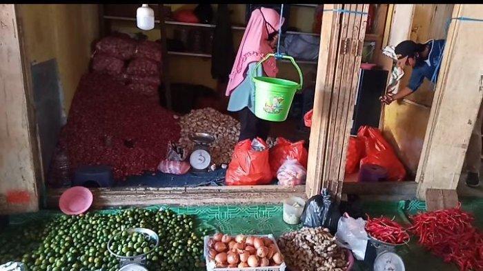 Update Harga di Pasar Namlea-Pulau Buru; Cabai dan Tomat Alami Kenaikan, Bahan Pokok Lainnya Stabil