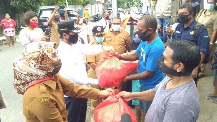 Pemkot Ambon Kembali Salurkan 1.655 Paket Sembako Tahap III, Bagi Warga Terdampak Corona