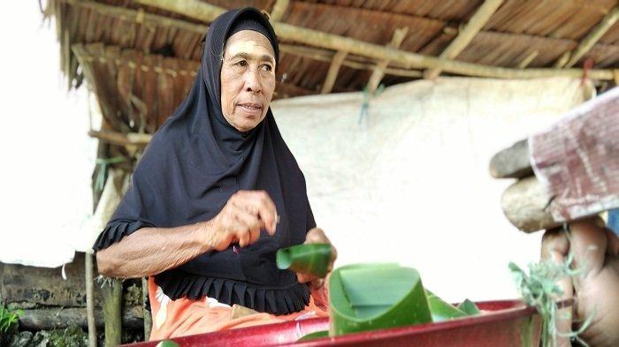 Cerita Pengungsi Gempa Maluku, Lansia Jualan Lapat untuk Beli Air Bersih