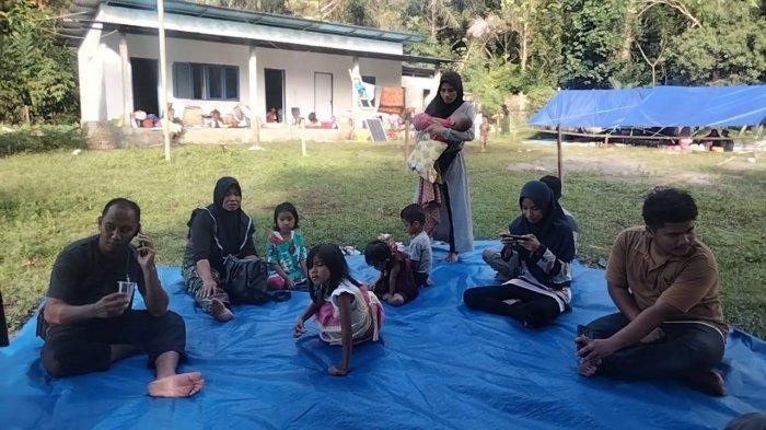 Pasca Gempa, Seribu Anak dan Balita Tehoru- <a href='https://manado.tribunnews.com/tag/maluku-tengah' title='MalukuTengah'>MalukuTengah</a> Mengungsi
