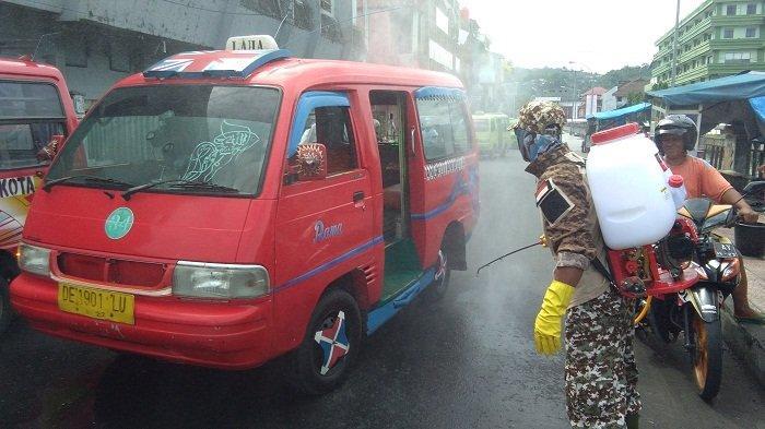 Update Virus Corona Ambon: Pemkot Menyemprotkan Disinfektan ke Angkutan Kota di Terminal Mardika
