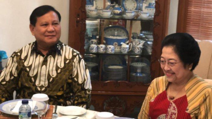 7 Fakta Pertemuan Prabowo dan Megawati, Sempat Bicara Empat Mata dan Tawaran Datang ke Kongres PDIP