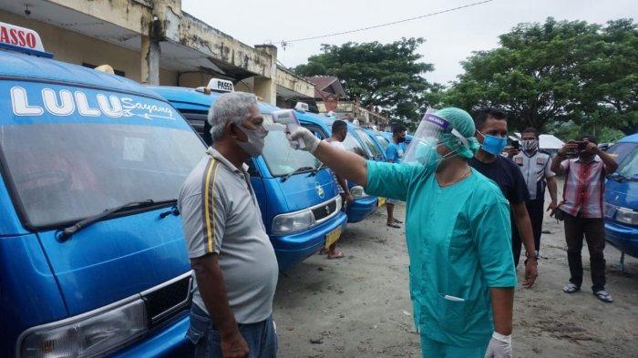 Sopir Angkot di Ambon Dilarang Mengemudi Kalau Tak Punya Sertifikat Vaksin?