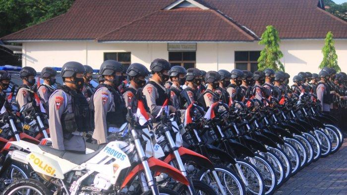 Antisipasi Kamtibmas, Wadanden Brimob Maluku Periksa Kesiapan Personil dan Persenjataan