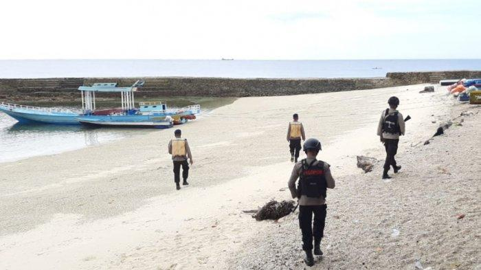 Akhir Pekan, Brimob Polda Maluku Amankan Area Wisata di Latuhalat