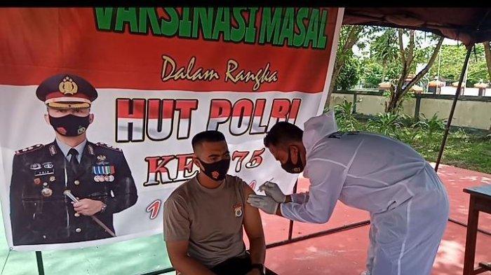 Polres Pulau Buru Lakukan Vaksinasi Massal, Bukan Bagi Polisi Saja