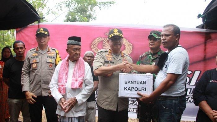 Polri Kunjungi dan Serahkan Bantuan untuk Korban Gempa Ambon, Jokowi Dikabarkan Segera Berkunjung
