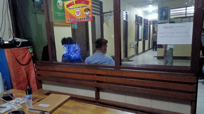 Polisi amankan pelaku dan korban, keributan di Kampus Unpatti Ambon, Senin (20/4/2021)