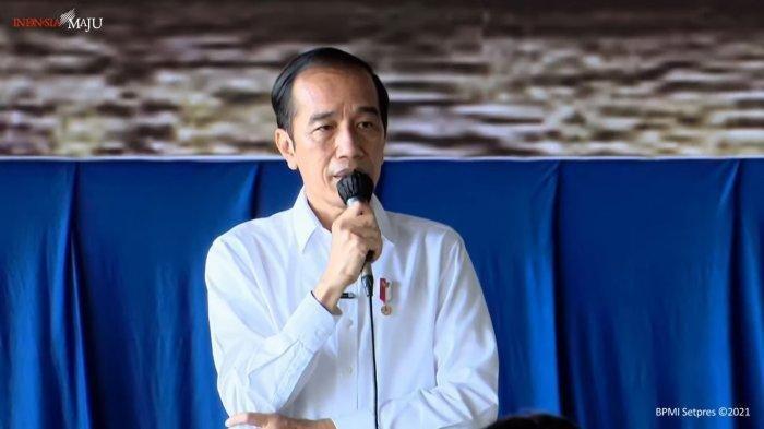 Jokowi Janji Bangunkan Rumah dan Jamin Biaya Pendidikan Keluarga Awak Kapal KRI Nanggala