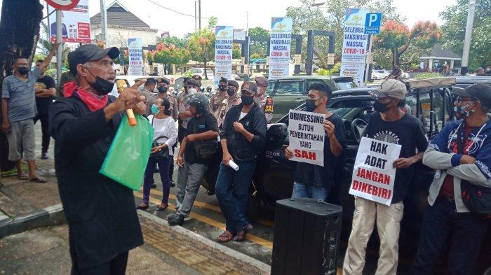 Warga Protes Penetapan Mata Rumah Parentah Negeri Urimesing