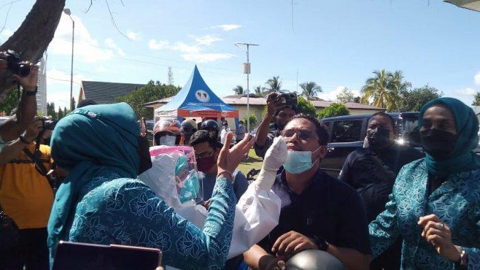 Istri Murad Ismail Kembali Gratiskan Rapid Antigen DriveThru di Maluku Tenggara
