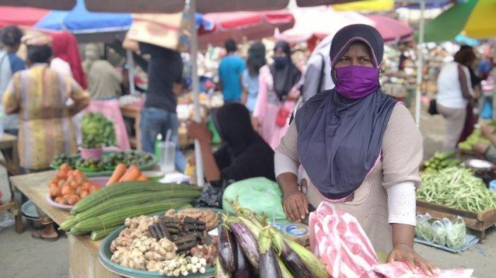 Duduki Badan Jalan, Pedagang Pasar Mardika Dinilai Bandel