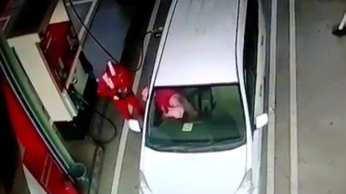Terekam CCTV Wanita Tipu Petugas SPBU, Rekayasa Dapat Kembalian Rp 10 Ribu padahal Terima Rp 50 Ribu