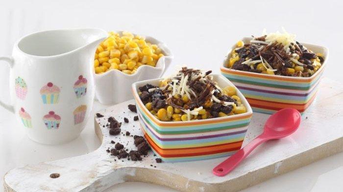 Resep Jagung Susu Keju Saus Cokelat, Camilan Manis dengan Topping yang Meriah