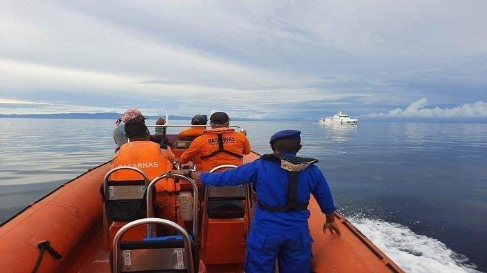 Operasi Pencari Nelayan Nusawine, Tim SAR Ambon Kerahkan Rigid Inflabtable Boat 01