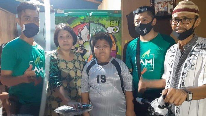 VIRAL Video Bocah Penjual Jalangkote Dibully, Kini Dapat Bantuan Sembako hingga Sepeda Baru
